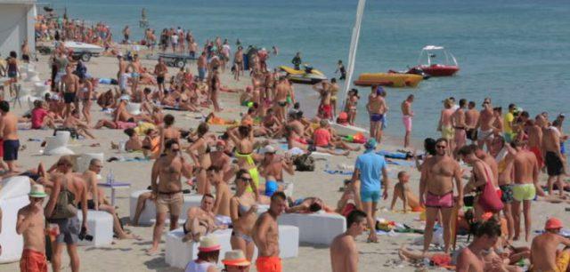 Boala care afecteaza turistii aflati pe litoralul romanesc in concediu. Zeci de cazuri inregistrate deja, cu persoane care au ajuns la spital…