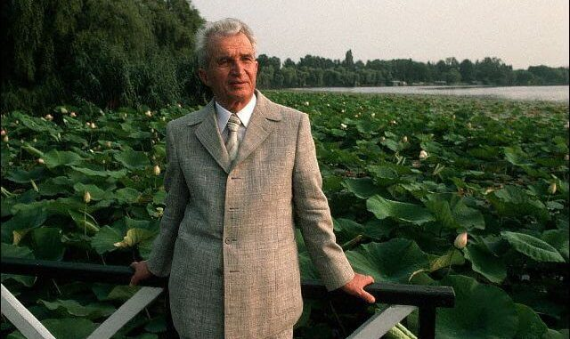 Din mâna lui S-AU NĂSCUT bijuteriile României! Cele şapte MINUNI ale lui Ceauşescu! Imaginile sunt DE EXCEPȚIE!