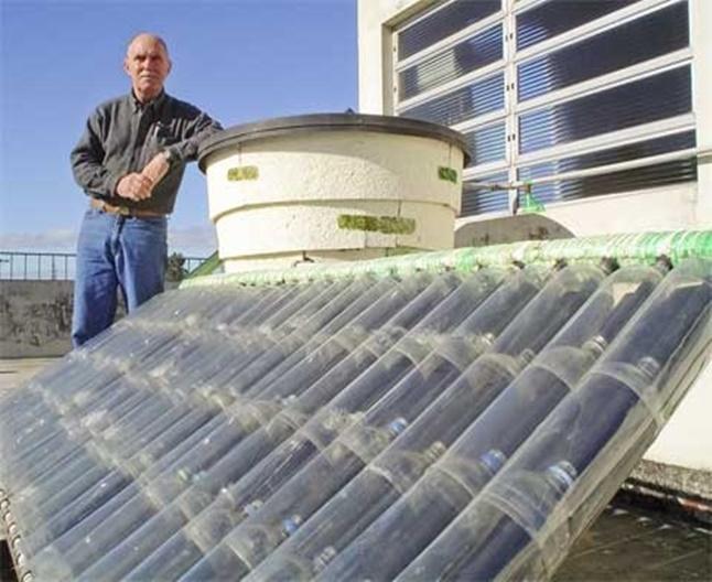 GENIAL! Panou solar facut acasa din PET-uri! Metoda eficienta pentru incalzirea apei