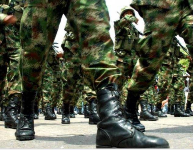 """Se trezește ARMATA? Un grup de șase OFIȚERI în rezervă vor să lanseze un partid care să """"ELIBEREZE ROMÂNIA"""" și să schimbe """"drumul țării"""". Citește apelul către militari"""