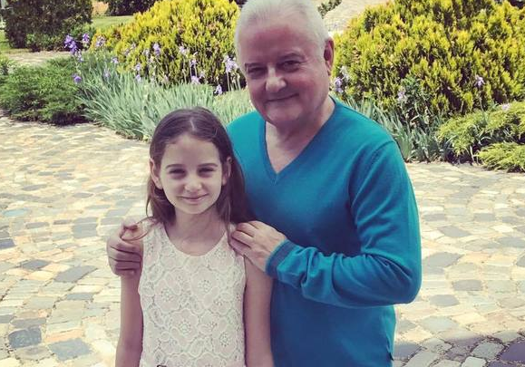 """Irina Columbeanu face dezvăluirea-șoc despre tatăl ei! Afaceristul are cel mai scârbos obicei: ,,E atât de dezgustător. Se…"""" Face asta de față cu fiica lui. Ce a declarat Irina"""