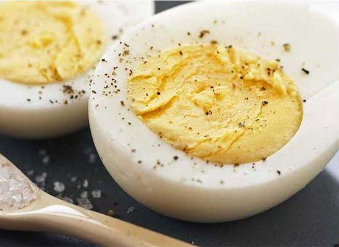 Un bucătar apelează la știință pentru a fierbe oul PERFECT!