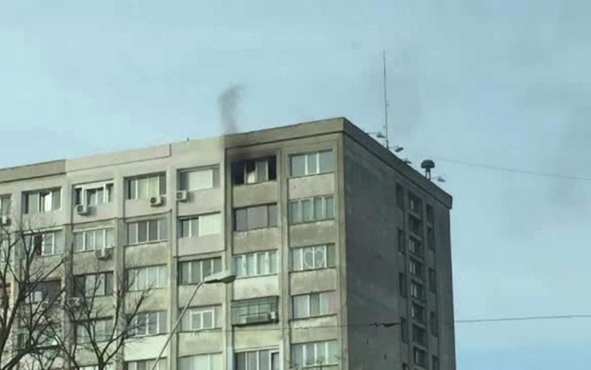 Motivul incredibil pentru care doi pensionari din Galați fac focul în mijlocul apartamentului! Vecinii nu au mai văzut așa ceva!