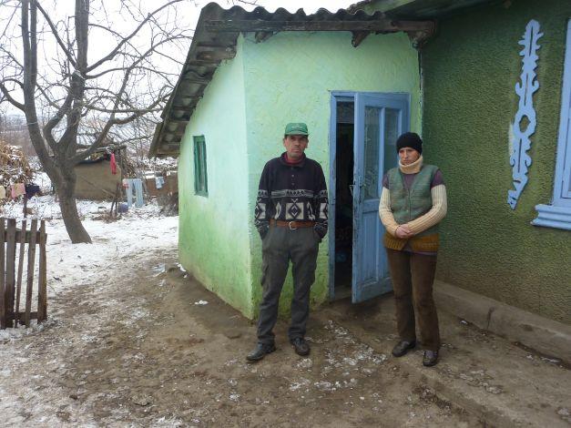 Localitatea cu cei mai puturosi oameni din Romania ! Prefera sa moara de foame pentru ca munca i grea si cere timp…