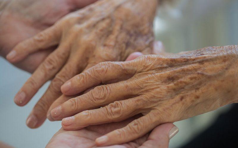 Ai circulatia slaba si mai mereu mainile sau picioarele reci? Iata ce trebuie neaparat sa stii!