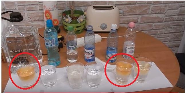 ULUITOR! A făcut testul la 6 mărci CUNOSCUTE de apă plată din comerț, toate recunoscute ca fiind inalt purificate. Ce a descoperit insa TE VA INGROZI! Si, cand credeai ca e cea mai buna apa: