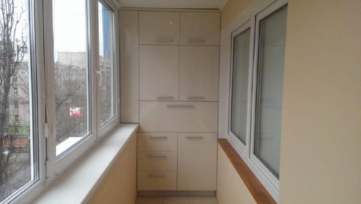 30 de idei superbe de dulapuri la balcon. Îți plac?