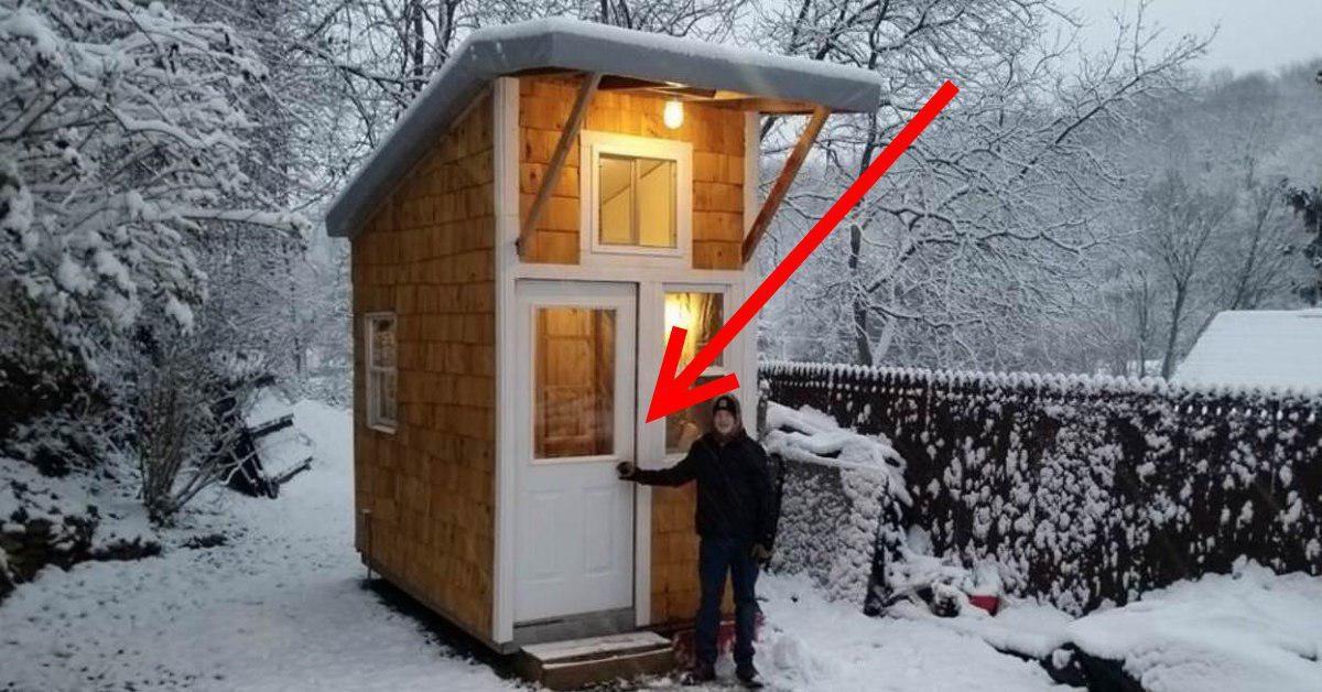 Un băiat de 13 ani și-a construit propria mini-casă. Veți fi plăcut surprinși să vedeți cum arată în interior!