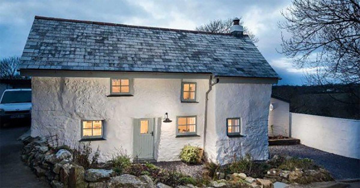 Această casă are peste 300 de ani. Dar priviţi cum este amenajată în interior!
