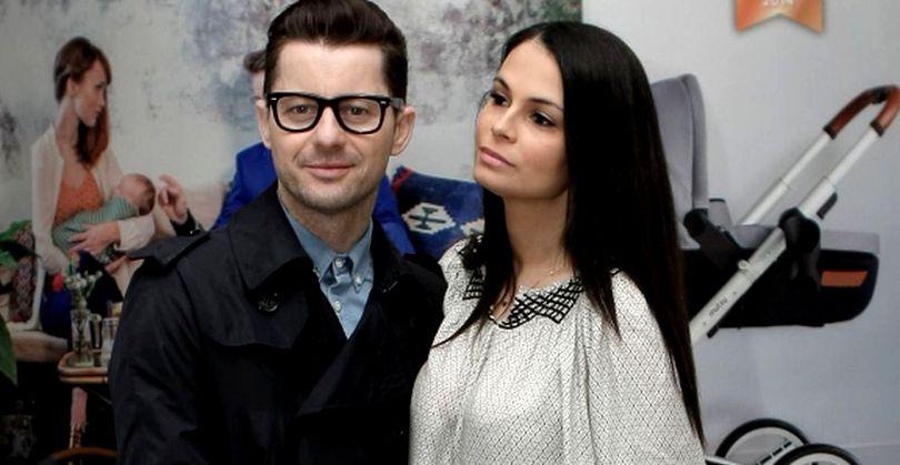 Adi Sînă și Anca Serea formează unul dintre cele mai unite cupluri din showbiz-ul românesc. Muzicianul a făcut la TV un anunț care privește întreaga sa familie.