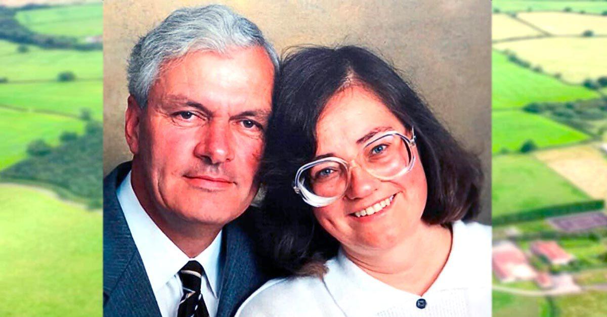 Soţul plantează 1.000 de copaci în memoria soţiei decedate: Dar 17 ani mai târziu, o fotografie aeriană dezvăluie adevăratul său motiv
