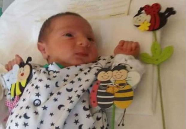 11 ani s-au chinuit să aibă un copil, dar în zadar. Ba mai mult, medicii i-au spus femeii că are o mulțime de chisturi ovariene și că nu va putea deveni mamă. Apoi s-a întâmplat o mare minune. A născut un băiețel la 41 de ani! Așa ceva nu s-a mai auzit în România, ce i-a făcut soțul în fiecare zi pentru a rămâne gravidă: