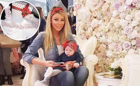 """Bianca Drăgușanu s-a dus cu fetița ei în parc. Foarte urât ce i-au făcut niște femei acolo. Vedeta nu a mai putut rezista și le-a pus la punct imediat, în public: """"Doamnelor…"""""""