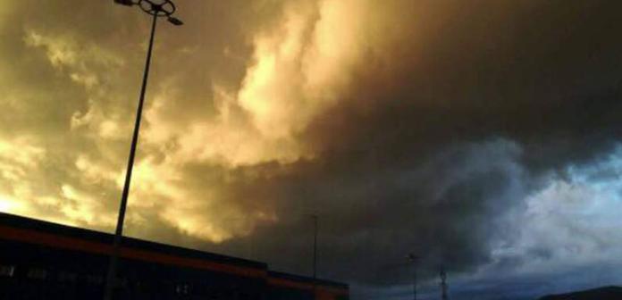 Atenție MARE în aceste zile! Dacă observați asta pe cer, INTRAȚI RAPID ÎN CASĂ! Sunteți în mare pericol!