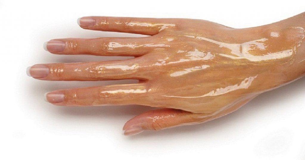 Mâinile mele erau zbârcite ca ale Babei Cloanța până am aflat despre aceste soluții! De acum chiar și nora îmi admiră pielea mâinilor.