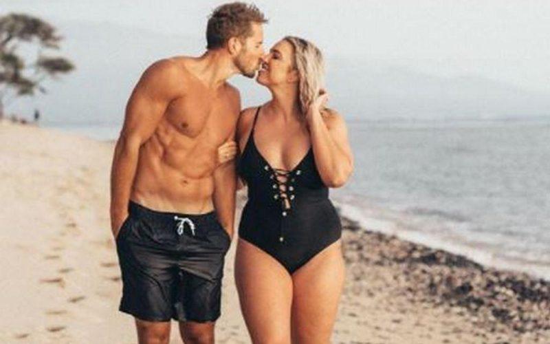 A pus o poză cu ea și soțul ei în costum de baie și a fost aspru criticată. I-au spus ca e prea